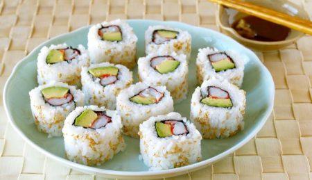 Per gli appassionati sushi: come preparare i 'California rolls'