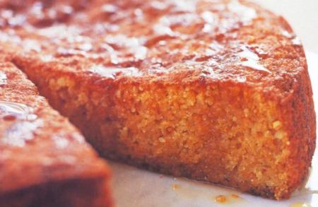 Come fare la torta di zucca e amaretti