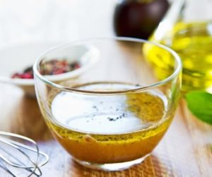 Una ricetta crudista: il cavolfiore marinato con vinaigrette alla senape.