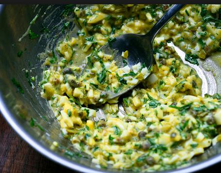 Cucina francese: la ricetta della salsa gribiche