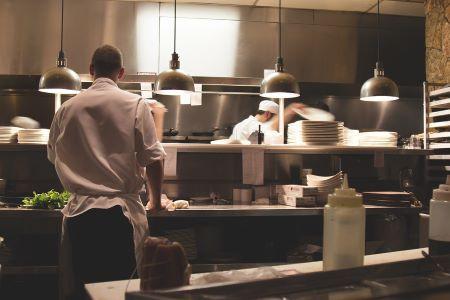 Allestimento di una cucina professionale per la ristorazione